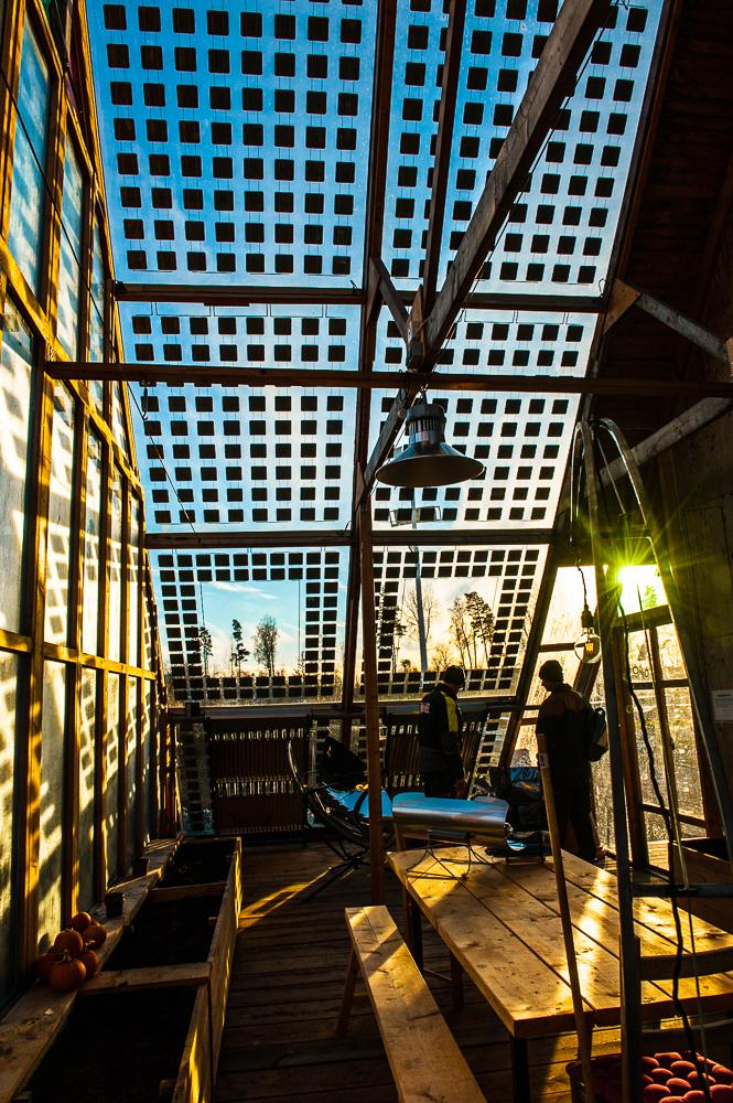 Transparenta solpaneler i uterum. Så snyggt och bra!